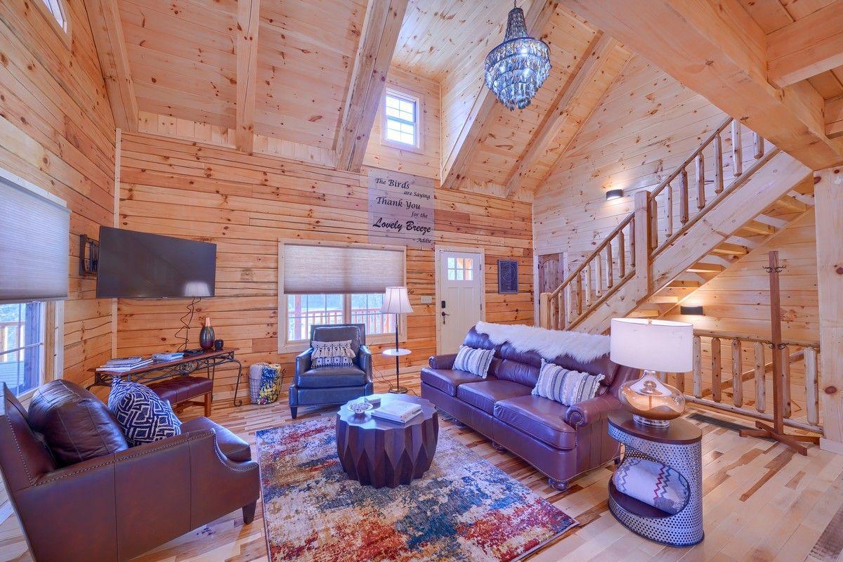 Lovely Breeze Luxury Cabin Living room