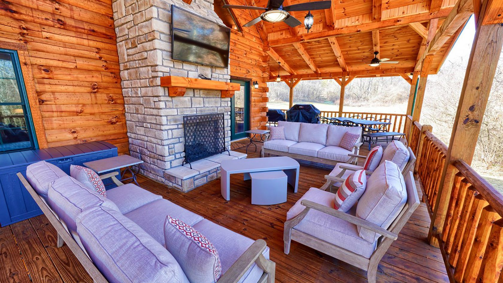 Lovely Breeze Luxury Lodge